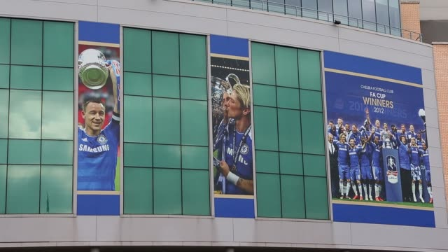 general views of stamford bridge home to chelsea fc before the barclays premier league match between chelsea and west bromwich albion at stamford... - スタンフォードブリッジ点の映像素材/bロール