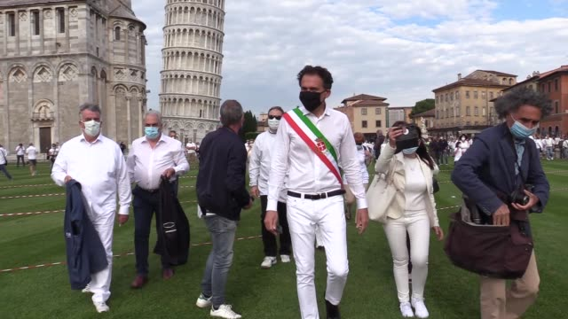 ITA: The Leaning Pisa Tower Reopening Flashmob