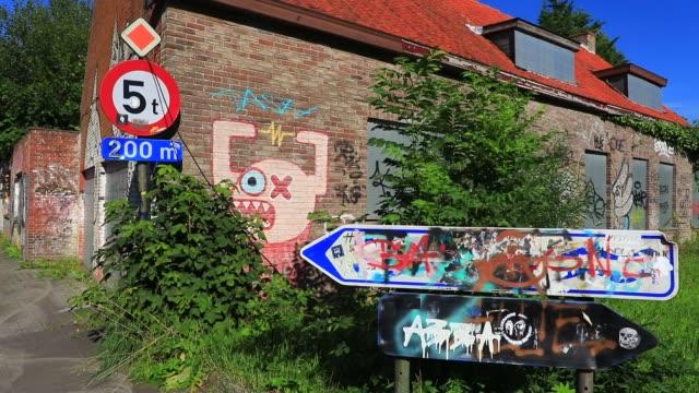 general views of the ghost village of doel on july 13, 2020 in beveren, belgium. wedged between the second port in europe, antwerp that was supposed... - ghost town stock videos & royalty-free footage