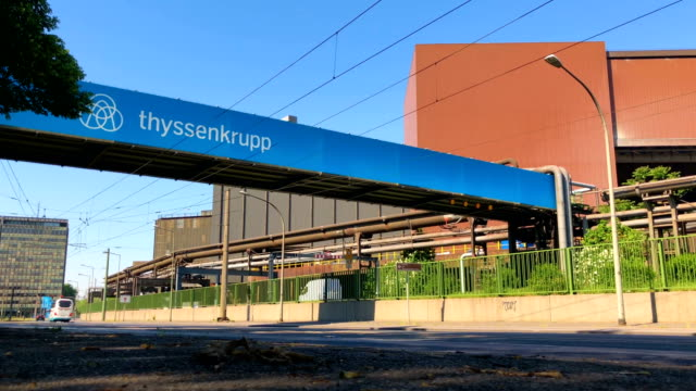 vídeos y material grabado en eventos de stock de general views of thyssenkrupp steelworks duisburg germany - fábricas tradicionales