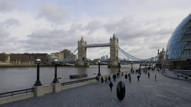 general views of tower bridge during third national covid-19 lockdown on january 17, 2021 in london, england - tower bridge stock videos & royalty-free footage