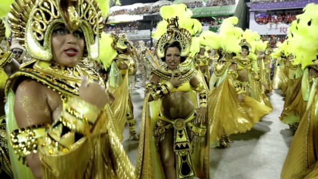 general views rio carnival parade 2013 - 2013 stock-videos und b-roll-filmmaterial