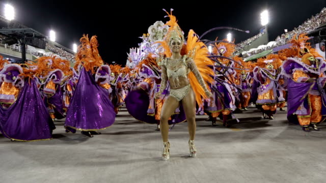 stockvideo's en b-roll-footage met general views rio carnival parade 2013 - brazilië