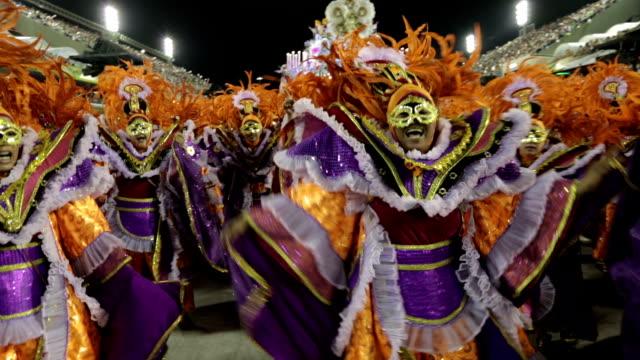 vídeos y material grabado en eventos de stock de general views rio carnival parade 2013 - cabalgata
