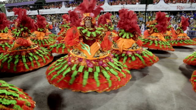 general views rio carnival parade 2013 - fasching stock-videos und b-roll-filmmaterial