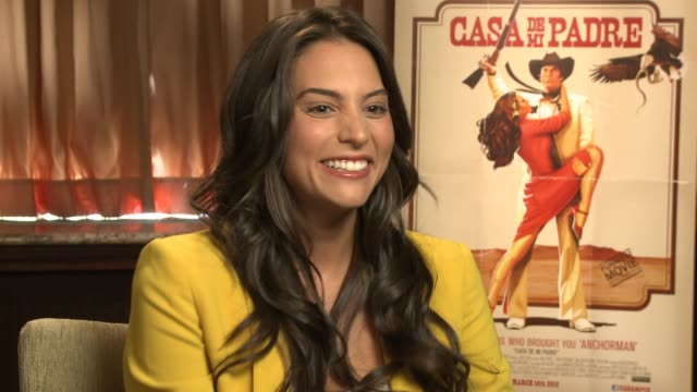 stockvideo's en b-roll-footage met genesis rodriguez describes the shooting schedule of a telenovela at casa de mi padre - new york press day on 3/10/2012 in new york, ny, united... - padre