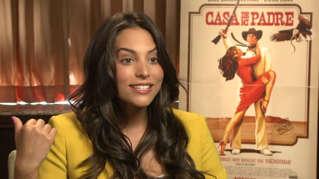 stockvideo's en b-roll-footage met genesis rodriguez explains the difference between a telenovela and this film at casa de mi padre - new york press day on 3/10/2012 in new york, ny,... - padre