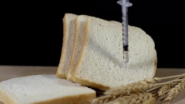 HD SUPER SLOW-MOTION: Cibo geneticamente modificato