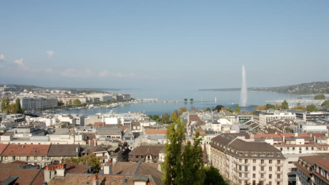 T/L, WS, Geneva cityscape with lake and Jet d'Eau fountain, Switzerland