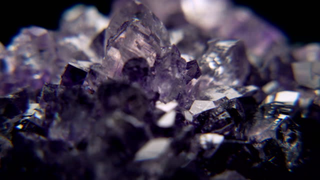 geode crystal diamond prism - kristalle stock-videos und b-roll-filmmaterial