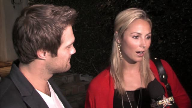geoff stults and stacy keibler at the fred segal and the cedars-sinai medical center women's cancer research institute host design a cure at a... - ジェフ スタルツ点の映像素材/bロール