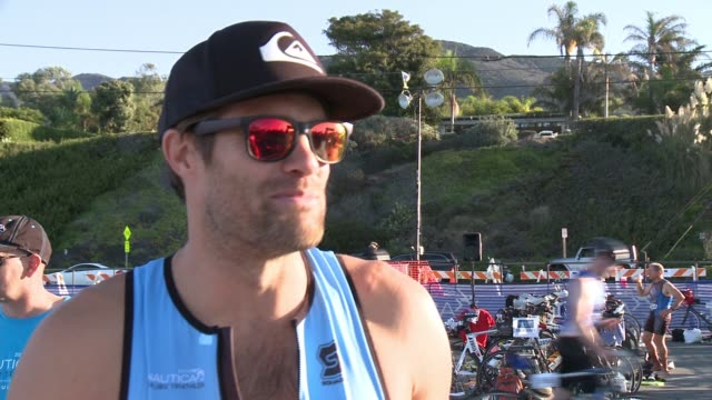 geoff stults on participating today and the preparation he's done at nautica malibu triathlon presented by equinox on september 20, 2015 in malibu,... - ジェフ スタルツ点の映像素材/bロール