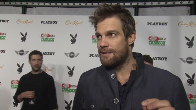geoff stults on the party and his superbowl predictions at the playboy party presented by crown royal at jax brewery bistro on february 01, 2013 in... - ジェフ スタルツ点の映像素材/bロール