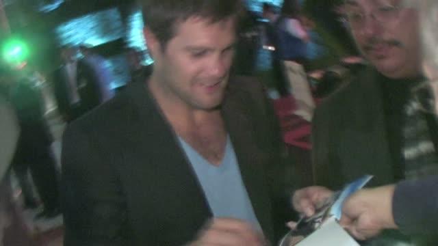 geoff stults signs at fox fall eco casino party in culver city - ジェフ スタルツ点の映像素材/bロール