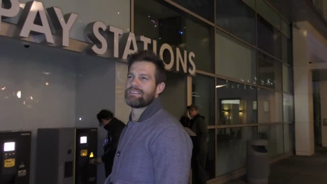INTERVIEW Geoff Stults talks about if men with beards make better lovers outside ArcLight Theatre in Hollywood in Celebrity Sightings in Los Angeles
