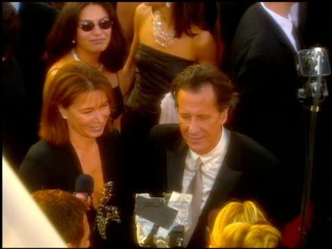 geoffrey rush at the 2001 academy awards at the shrine auditorium in los angeles, california on march 25, 2001. - 第73回アカデミー賞点の映像素材/bロール