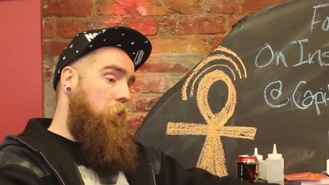 vídeos de stock e filmes b-roll de geoffry gibson owner of capitol vape supply in washington dc speaks on the harvard university study that suggests flavored ecigarette vapor causes... - tuberculose