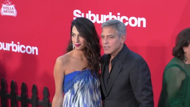 george clooney & amal clooney at the premiere of paramount pictures' 'suburbicon' on october 22, 2017 in los angeles, california. - ジョージ・クルーニー点の映像素材/bロール