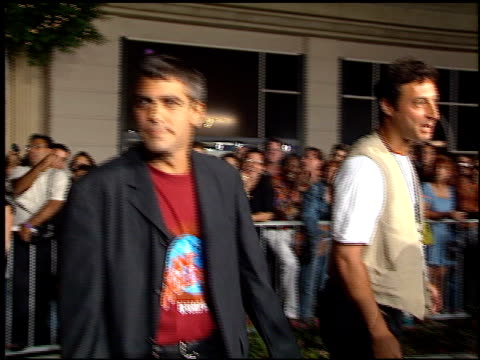 george clooney at the planet hollywood entrances on september 17, 1995. - ジョージ・クルーニー点の映像素材/bロール