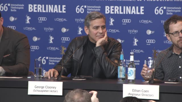 george clooney on syria, refugee crisis, the us elections, meeting angela merkel at 'hail, caesar!' press conference - 66th berlin international film... - ジョージ・クルーニー点の映像素材/bロール