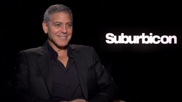 george clooney on visiting detroit, the theme of the film, working with the coen brothers & working with the cast at the 'suburbicon' junket on... - ジョージ・クルーニー点の映像素材/bロール