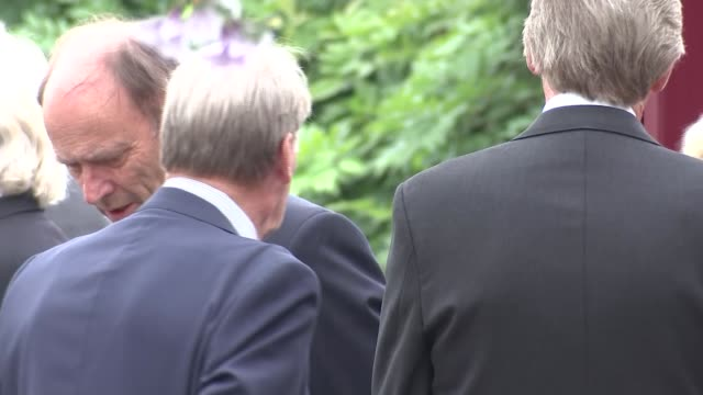 berkshire reading ext dennis waterman and patrick malahide with other mourners at reading crematorium / hearse arriving - dennis waterman stock videos and b-roll footage