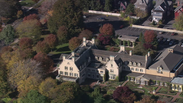 aerial george eastman house and its surrounding property / rochester, new york, united states - ジョージア調点の映像素材/bロール