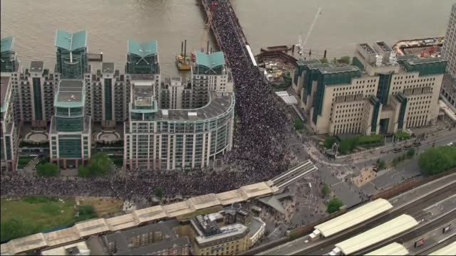 george floyd / black lives matter protests: priti patel condemns 'violent minority' of protesters; england: london: ext air view shot of protesters... - aerial view stock videos & royalty-free footage