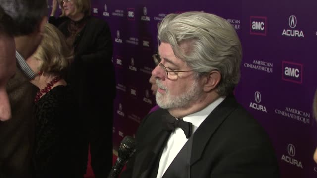 vídeos de stock, filmes e b-roll de george lucas at the 2008 presentation of the 23rd annual american cinematheque award at los angeles ca - premio american cinematheque