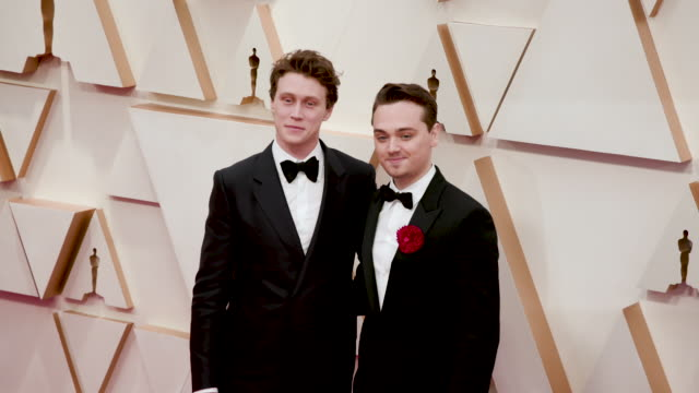 stockvideo's en b-roll-footage met george mackay and deancharles chapman at the 92nd annual academy awards arrivals on february 09 2020 in hollywood california - george mackay