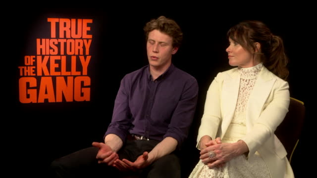 stockvideo's en b-roll-footage met george mackay shows his support for joaquin phoenix and his call for greater diversity with film, adding that movies so far have been 'very... - beroemdheden gespot