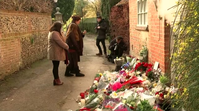 fans tributes as revealed he was a secret donor to many charities england oxfordshire goringonthames ext message of condolence 'rip george michael'... - oxfordshire stock videos and b-roll footage
