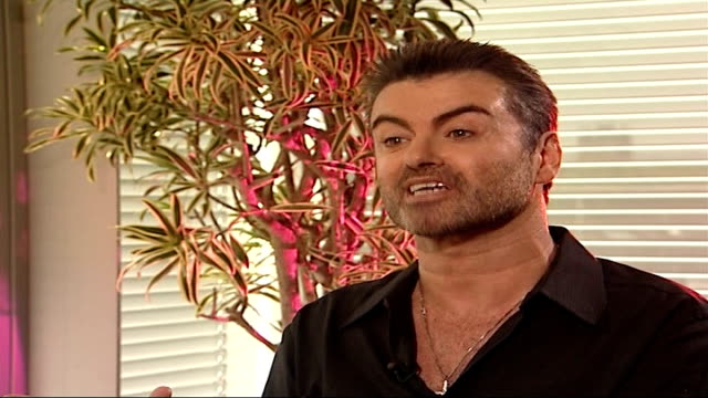 london gir int george michael interview sot women almost never understand this phenomenon / i totally respect that / i don't try to explain / many... - ホモフォビア点の映像素材/bロール