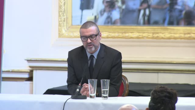 george michael on changing his style of music, alienating fans, fresh style at the george michael press conference at london england. - interview raw footage stock videos & royalty-free footage