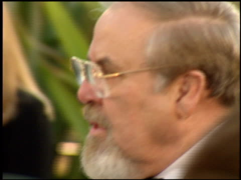 stockvideo's en b-roll-footage met george schlatter at the 1998 academy awards vanity fair party at morton's in west hollywood california on march 23 1998 - 70e jaarlijkse academy awards