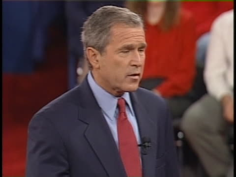 george w bush discusses the death penalty during the final presidential debate against al gore. - 2000年風格 個影片檔及 b 捲影像