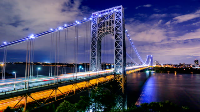 george washington bridge, new york city - brücke stock-videos und b-roll-filmmaterial