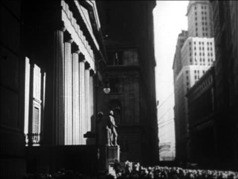 george washington statue + exterior of federal hall on wall street / nyc / newsreel - 1929 stock videos & royalty-free footage