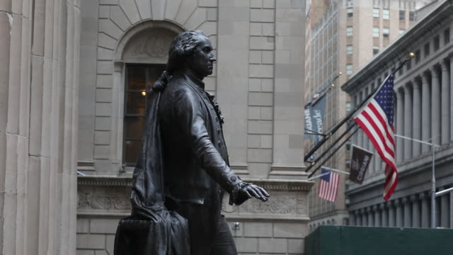 george washington statue in front of the new york stock exchange in new york us on tuesday december 31 2019 - male likeness stock videos & royalty-free footage