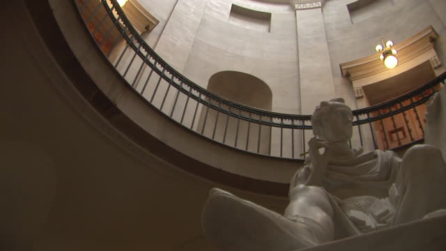 ms, la, pan, george washington statue in north carolina state capitol, raleigh, north carolina, usa - federal building stock videos & royalty-free footage