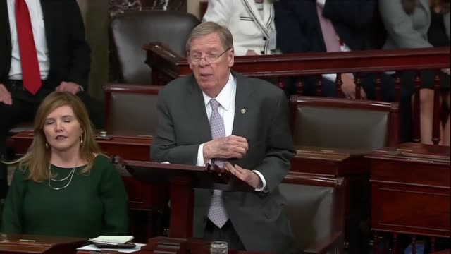 georgia senator johnny isakson is recognized to deliver his farewell address to the senate saying that it was in order to speak on not his last day... - politische gruppe stock-videos und b-roll-filmmaterial