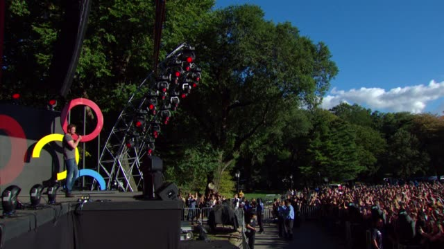 SPEECH Gerard Buter pumps up the crowd and introduce the Kings of Leon at 2013 Global Citizen Festival in Central Park To End Extreme Poverty on in...