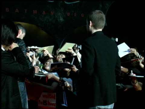gerard butler at the 'batman begins' press conference and premiere at roppongi hills in tokyo on may 31 2005 - roppongi hills stock videos and b-roll footage