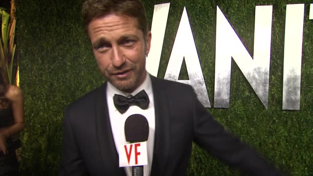 INTERVIEW Gerard Butler on being at the Vanity Fair party who he's excited to see and what he thought of the Oscars this year at The 2013 Vanity Fair...