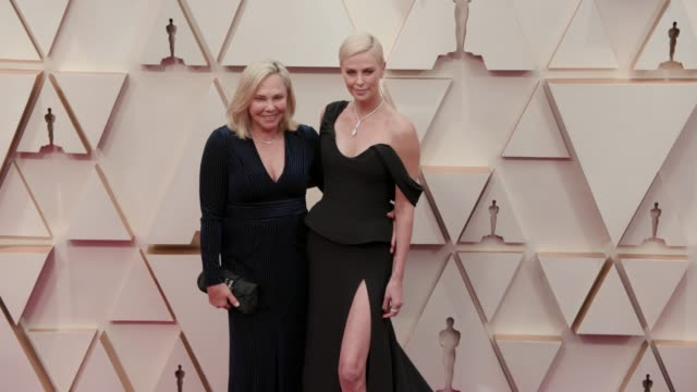 gerda jacoba aletta maritz and charlize theron at the 92nd annual academy awards at dolby theatre on february 09, 2020 in hollywood, california. - シャーリーズ・セロン点の映像素材/bロール
