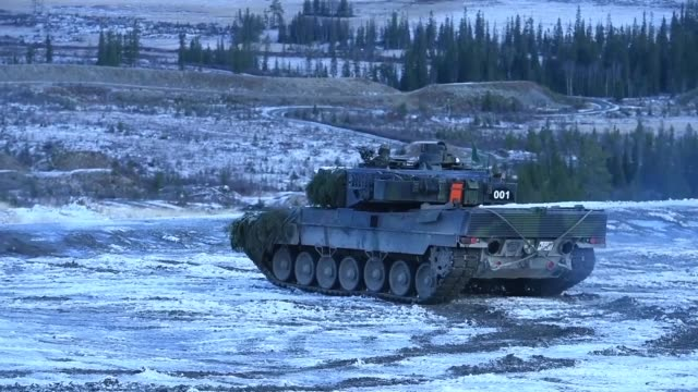 german 2nd 93 armoured demonstration battalion exercise in snowy conditions with leopard ii tanks at a training ground in rena, norway. the unit are... - missile stock videos & royalty-free footage