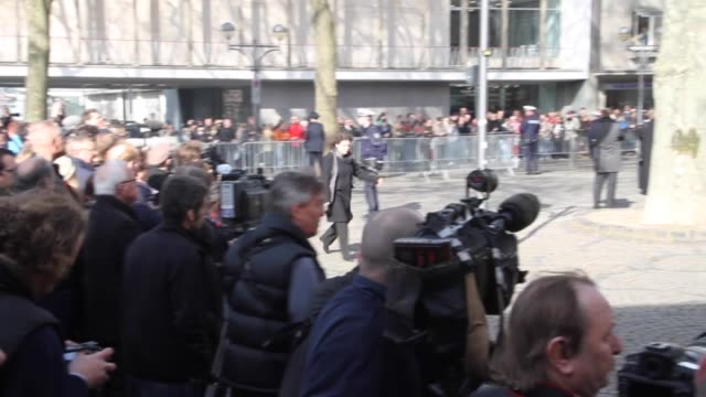 german chancellor angela merkel and german foreign minister frankwalter steinmeier arrive for the funeral service of the former german foreign... - kirche stock videos and b-roll footage