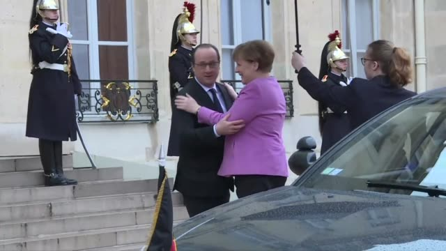 German Chancellor Angela Merkel arrived at the Elysee Palace on Friday for talks with French President Francois Hollande with the migrant crisis top...