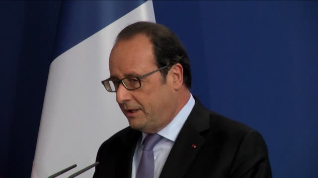 german chancellor angela merkel, french president francois hollande and italian prime minister matteo renzi hold a press conference ahead of their... - françois hollande stock videos & royalty-free footage