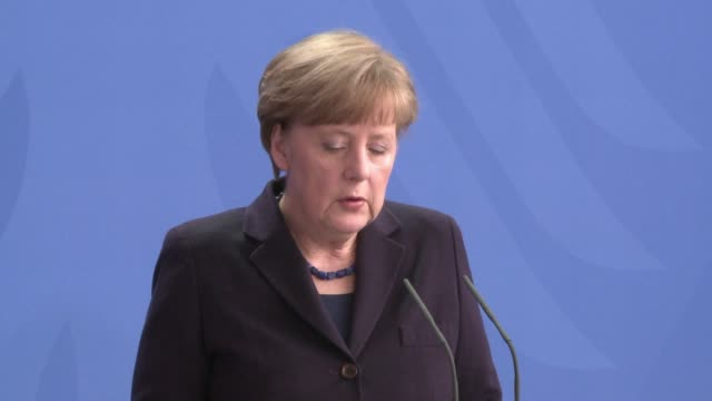 german chancellor angela merkel said she would go on wednesday to the french alpine region where a german passenger plane crashed killing all 150... - flugpassagier stock-videos und b-roll-filmmaterial
